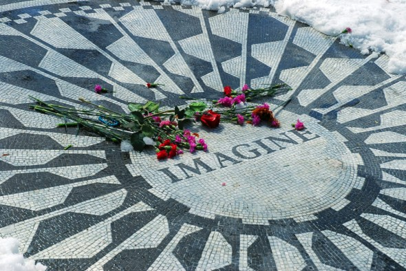 IMAGINE; mosaic, John Lennon, Strawberry Fields, Central Park; New York, 2007