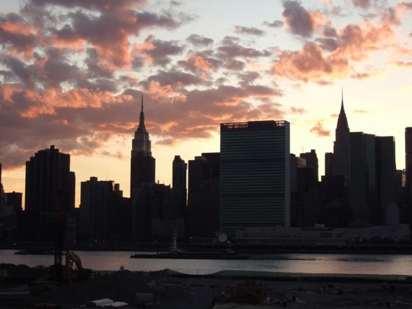 Pink cloud sunset, Manhattan skyline, New York, 2006